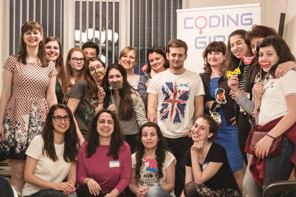Coding GIrls Group Photo